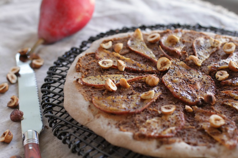pear chestnut pizza